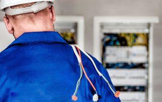 El papel del electricista en tu negocio empresa o comunidad de vecinos